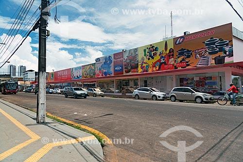 Fachada de loja de utilidades domésticas em rua comercial do centro de Macapá  - Macapá - Amapá (AP) - Brasil