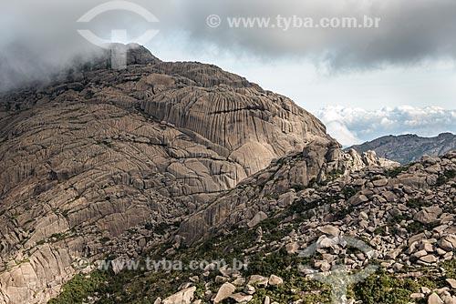 Vista da Asa de Hermes no Pico das Agulhas Negras durante a Travessia Rancho Caído no Parque Nacional de Itatiaia  - Itatiaia - Rio de Janeiro (RJ) - Brasil