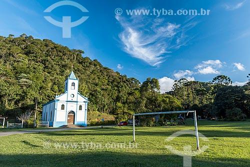 Campo de futebol no distrito de Visconde de Mauá com a Igreja de São Sebastião ao fundo  - Resende - Rio de Janeiro (RJ) - Brasil