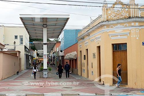 Calçadão comercial na Rua Major Paula Lopes  - Guararema - São Paulo (SP) - Brasil