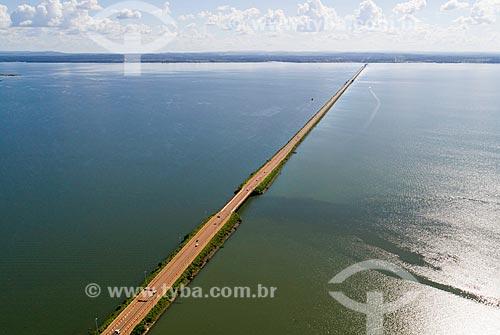 Foto aérea da Ponte Fernando Henrique Cardoso (2002) - também conhecida como Ponte da Amizade e da Integração  - Palmas - Tocantins (TO) - Brasil