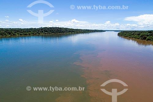 Foto aérea do encontro das águas do Rio Tocantins e Rio do Sono  - Bom Jesus do Tocantins - Tocantins (TO) - Brasil