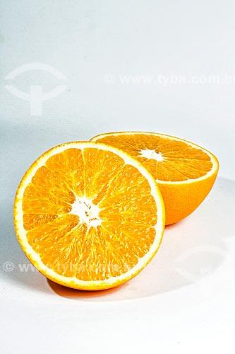 Detalhe de laranja cortada ao meio  - Florianópolis - Santa Catarina (SC) - Brasil