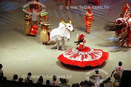 Apresentação do Garantido Boi durante o Festival de Folclore de Parintins no Centro Cultural e Esportivo Amazonino Mendes (1988) - também conhecido como Bumbódromo  - Parintins - Amazonas (AM) - Brasil