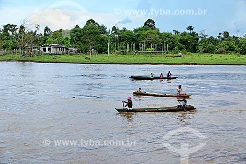 Ribeirinhos no Rio Amazonas próximo à Manaus  - Manaus - Amazonas (AM) - Brasil