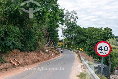 Deslizamento de terra próximo à Santa Branca  - Santa Branca - São Paulo (SP) - Brasil