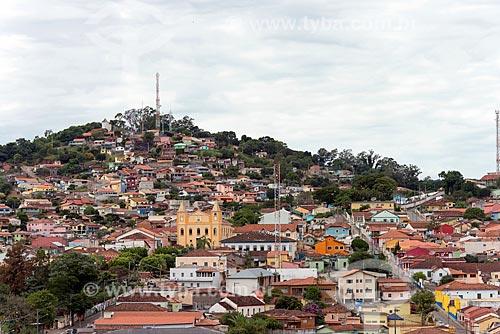 Vista geral da cidade de Santa Branca com a Igreja Matriz de Santa Branca (1828)  - Santa Branca - São Paulo (SP) - Brasil