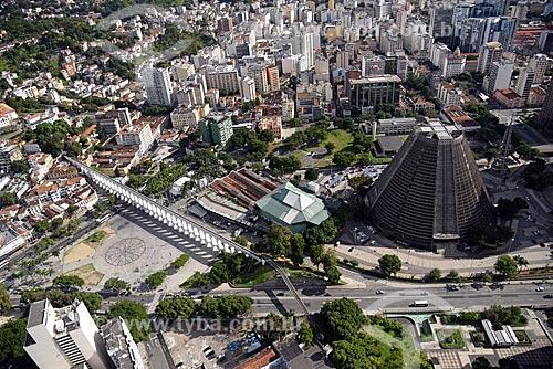 Foto aérea dos Arcos da Lapa, Circo Voador, Fundição Progresso e a Catedral de São Sebastião do Rio de Janeiro  - Rio de Janeiro - Rio de Janeiro (RJ) - Brasil