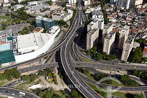 Foto aérea do Viaduto Engenheiro Freyssinet (1974) - também conhecido como Viaduto da Paulo de Frontin  - Rio de Janeiro - Rio de Janeiro (RJ) - Brasil