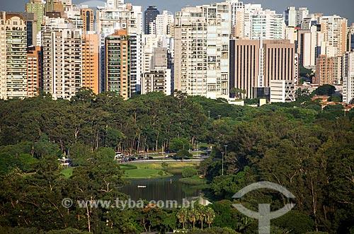 Vista do Lago do Ibirapuera com prédios ao fundo  - São Paulo - São Paulo (SP) - Brasil