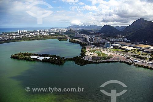 Foto aérea do Hospital Sarah Kubitschek e da Cidade do Rock com o Riocentro ao fundo  - Rio de Janeiro - Rio de Janeiro (RJ) - Brasil
