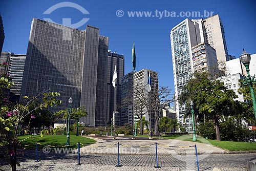 Vista de prédios comerciais à partir do Largo da Carioca  - Rio de Janeiro - Rio de Janeiro (RJ) - Brasil
