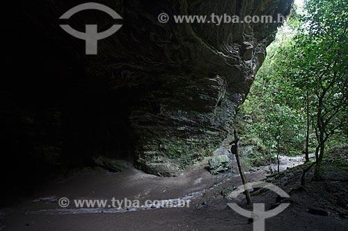 Entrada da Gruta dos Fugitivos no Parque Estadual do Ibitipoca  - Lima Duarte - Minas Gerais (MG) - Brasil