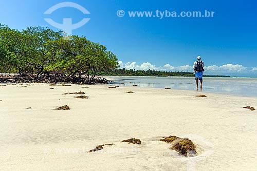 Vista da orla da Praia do Encanto  - Cairu - Bahia (BA) - Brasil