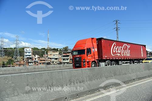 Caminhão da Coca-Cola na Linha Amarela  - Rio de Janeiro - Rio de Janeiro (RJ) - Brasil
