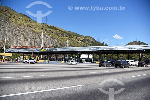 Carros no pedágio da Linha Amarela  - Rio de Janeiro - Rio de Janeiro (RJ) - Brasil