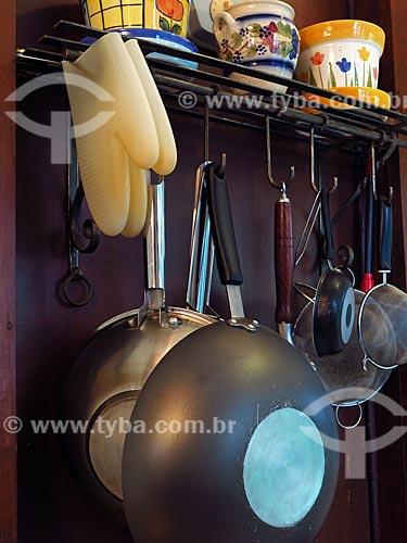 Detalhe de utensílios de cozinha  - Gramado - Rio Grande do Sul (RS) - Brasil