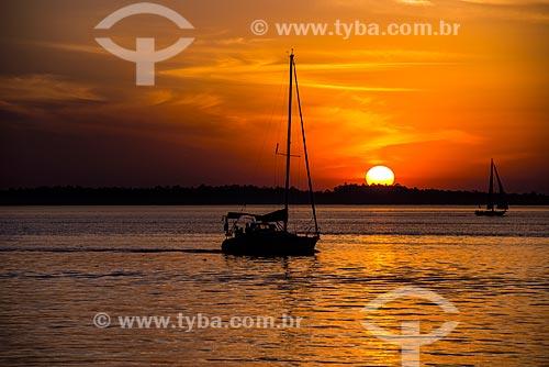 Vista do pôr do sol a partir da Lago Guaíba  - Porto Alegre - Rio Grande do Sul (RS) - Brasil