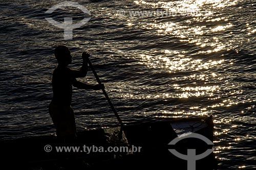 Pescador na Baía de Guanabara  - Rio de Janeiro - Rio de Janeiro (RJ) - Brasil