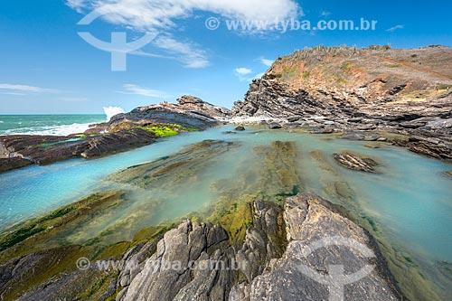 Vista de piscinas naturais em formação conhecida como Lagoinha na orla da cidade de Armação dos Búzios  - Armação dos Búzios - Rio de Janeiro (RJ) - Brasil