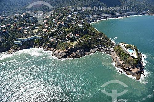 Foto aérea do Edifício Joatinga - à esquerda - com o Costa Brava Clube - à direita  - Rio de Janeiro - Rio de Janeiro (RJ) - Brasil
