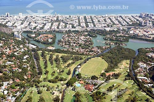 Foto aérea do Itanhangá Golf Club com a Praia da Barra da Tijuca ao fundo  - Rio de Janeiro - Rio de Janeiro (RJ) - Brasil