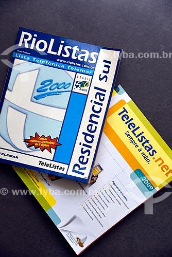 Detalhe de versão impressa de lista telefônica RioListas e Telelistas.net  - Rio de Janeiro - Rio de Janeiro (RJ) - Brasil
