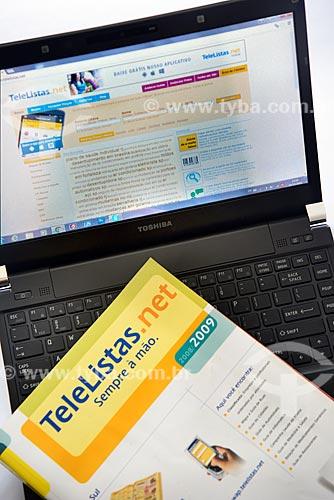 Detalhe de versão impressa e versão online da lista telefônica Telelistas.net  - Rio de Janeiro - Rio de Janeiro (RJ) - Brasil
