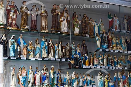 Vitrine de loja de artigos religiosos  - Rio de Janeiro - Rio de Janeiro (RJ) - Brasil