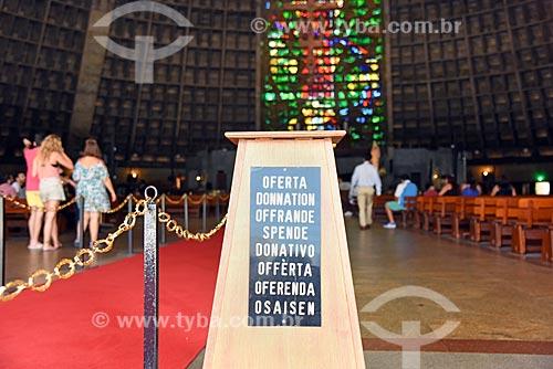 Detalhe de caixa de ofertório na Catedral de São Sebastião do Rio de Janeiro (1979)  - Rio de Janeiro - Rio de Janeiro (RJ) - Brasil