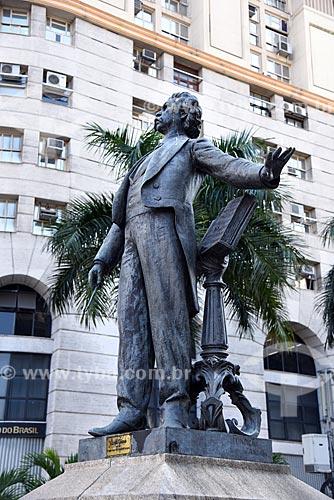 Detalhe da estátua do Maestro Carlos Gomes (1960) na Cinelândia  - Rio de Janeiro - Rio de Janeiro (RJ) - Brasil