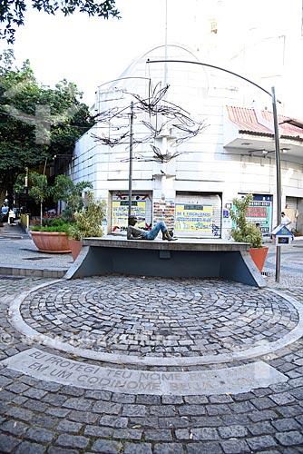 Estátua em homenagem ao cantor Cazuza na Praça Cazuza  - Rio de Janeiro - Rio de Janeiro (RJ) - Brasil
