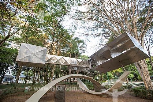 Réplica do 14-Bis - avião projetado por Alberto Santos Dumont - no Parque Santos Dumont  - São José dos Campos - São Paulo (SP) - Brasil