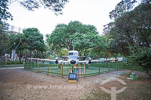 Protótipo do avião Embraer EMB-110 - Bandeirante - fabricado pela Embraer em exibição no Parque Santos Dumont  - São José dos Campos - São Paulo (SP) - Brasil