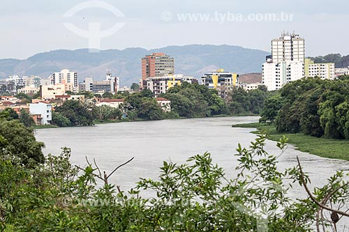 Vista do Rio Paraíba do Sul com Resende ao fundo  - Resende - Rio de Janeiro (RJ) - Brasil