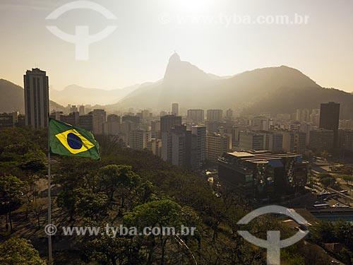 Vista do bairro de Botafogo com o Cristo Redentor (1931) ao fundo  - Rio de JaneiroRio de Janeiro - Rio de Janeiro (RJ)Rio de Janeiro (RJ) - BrasilBrasil