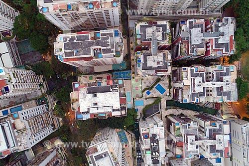 Foto aérea de edifícios residenciais - Visão Vertical  - Rio de Janeiro - Rio de Janeiro (RJ) - Brasil