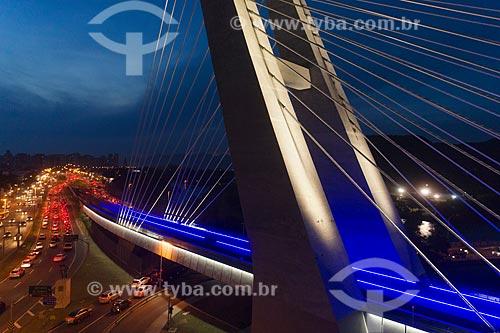 Foto aérea da Ponte estaiada na linha 4 do Metrô Rio e da Avenida Armando Lombardi  - Rio de Janeiro - Rio de Janeiro (RJ) - Brasil