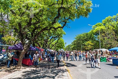 Feira de artesanato do Brique da Redenção - Parque Farroupilha - também conhecido como Parque da Redenção  - Porto Alegre - Rio Grande do Sul (RS) - Brasil