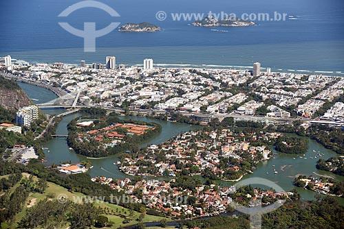 Foto aérea da Lagoa da Tijuca com as Ilhas Tijucas ao fundo  - Rio de Janeiro - Rio de Janeiro (RJ) - Brasil