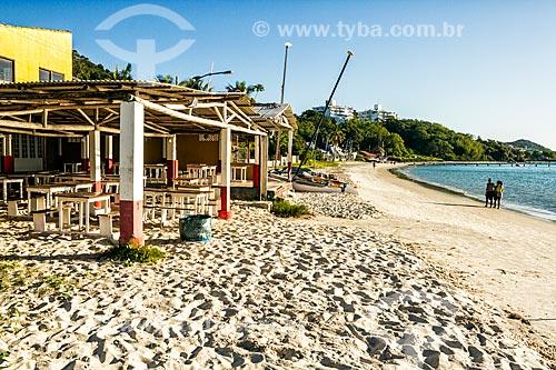 Vista de bar na orla da Praia de Canajurê  - Florianópolis - Santa Catarina (SC) - Brasil