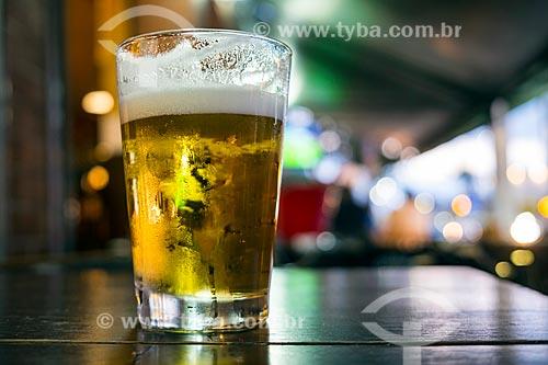 Detalhe de copo de chope em mesa de bar  - São Caetano do Sul - São Paulo (SP) - Brasil
