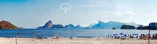 Vista da orla da Praia de Icaraí com o Pão de Açúcar, Pedra da Gávea, Cristo Redentor e Museu de Arte Contemporânea de Niterói - parte do Caminho Niemeyer  - Niterói - Rio de Janeiro (RJ) - Brasil