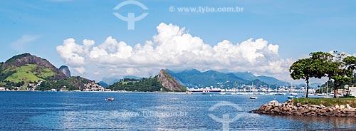 Vista da orla da Praia de Jurujuba  - Niterói - Rio de Janeiro (RJ) - Brasil