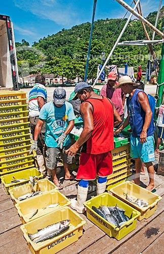 Pescadores na Praia do Cais  - Niterói - Rio de Janeiro (RJ) - Brasil