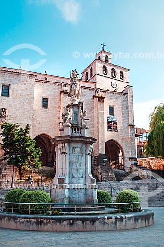 Fachada da Catedral de la Asunción de Nuestra Señora de Santander (Catedral da Assunção de Nossa Senhora de Santander) - século XVII  - Santander - Província de Cantábria - Espanha