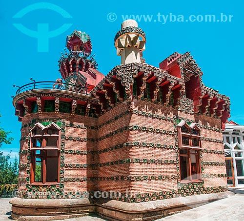 Fachada da Villa Quijano - mais conhecida como El Capricho  - Comillas - Província de Cantábria - Espanha