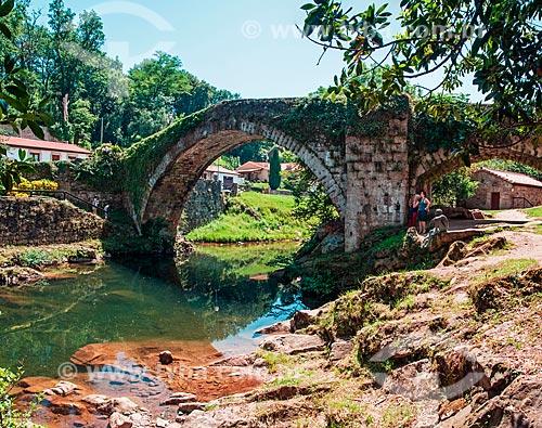 Ponte Romana sobre rio na cidade de Liérganes  - Liérganes - Província de Cantábria - Espanha