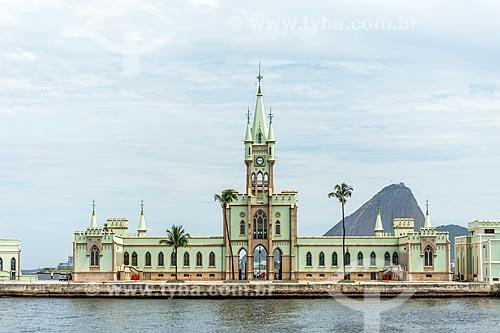 Vista do castelo da Ilha Fiscal a partir da Baía de Guanabara  - Rio de Janeiro - Rio de Janeiro (RJ) - Brasil
