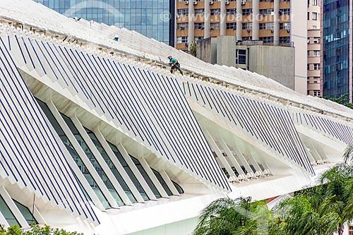 Vista dos painéis solares fotovoltaicos do Museu do Amanhã a partir da Baía de Guanabara  - Rio de Janeiro - Rio de Janeiro (RJ) - Brasil